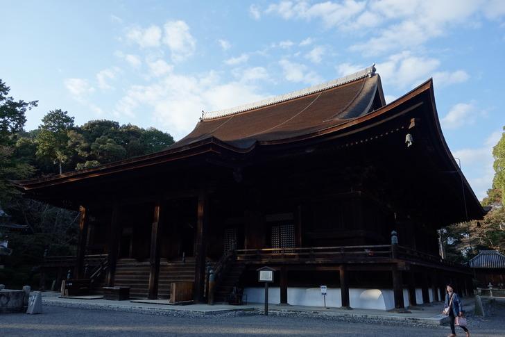 三井寺 国宝 金堂