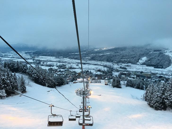 石打丸山スキー場の下りリフト