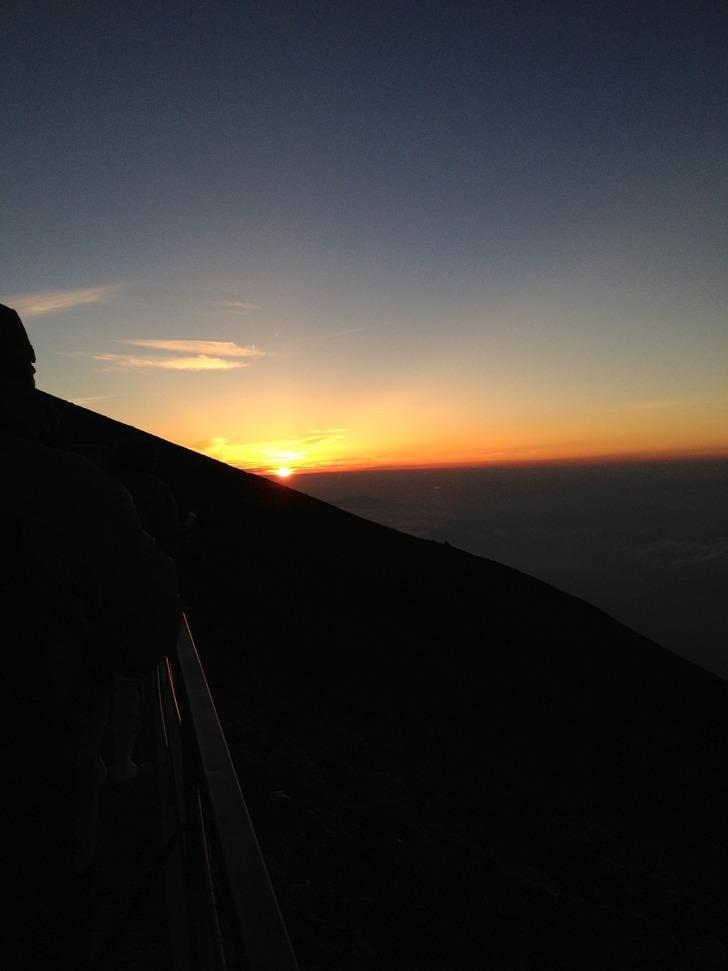 富士山 八合目からのご来光