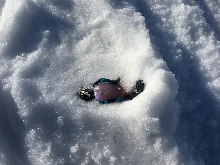 スノーボード ゴーグル 埋まる