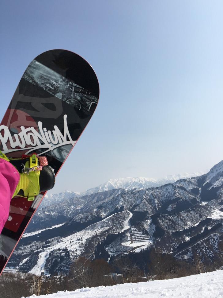 石打丸山スキー場から見た巻機山