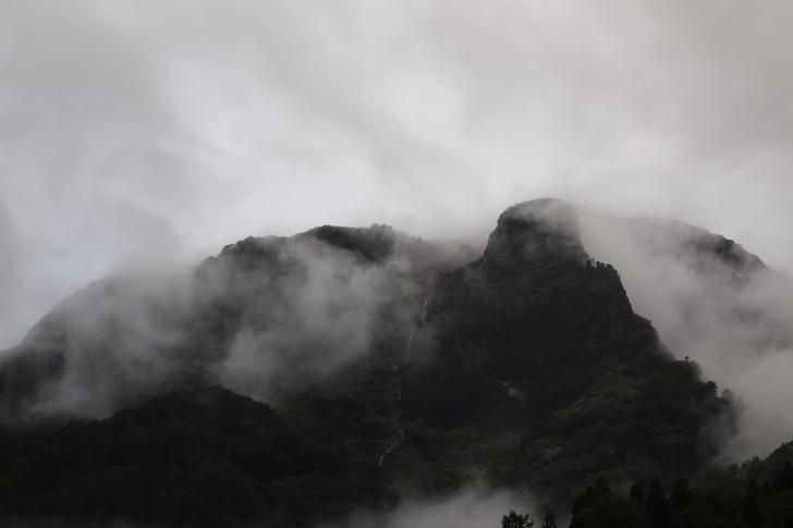 雨飾山荘からの道中