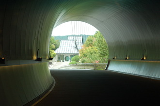 MIHO MUSEUM トンネル
