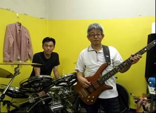 丸太小屋バンド2