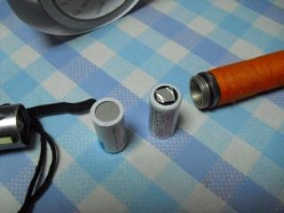 電池の電極に