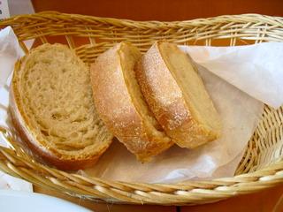 Pranzo A の自家製パン