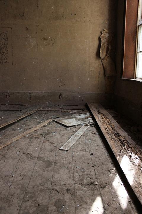 abandoned-983450_960_720