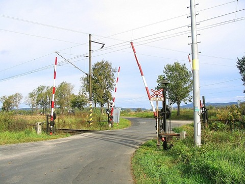 level-crossing-662590_960_720