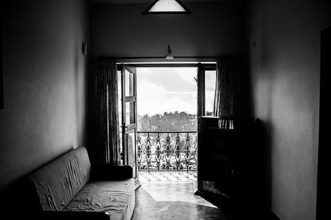 room-984076_640