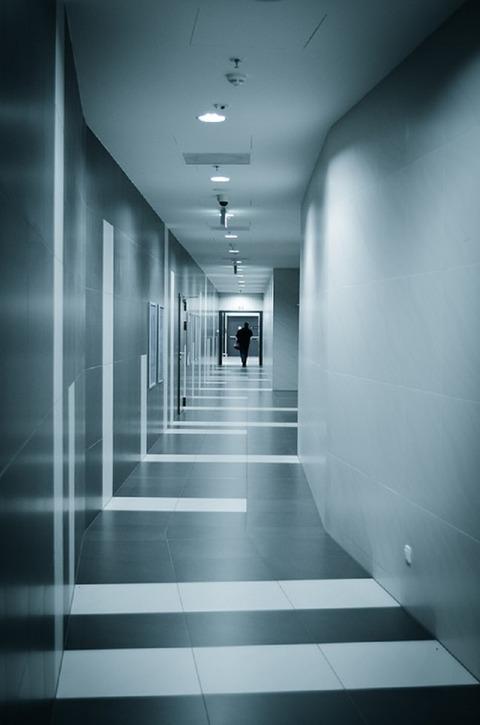 corridor-265290_960_720