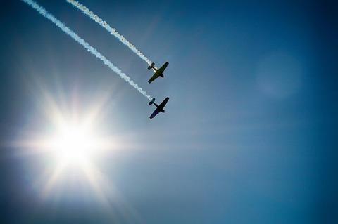 aircraft-377697_640