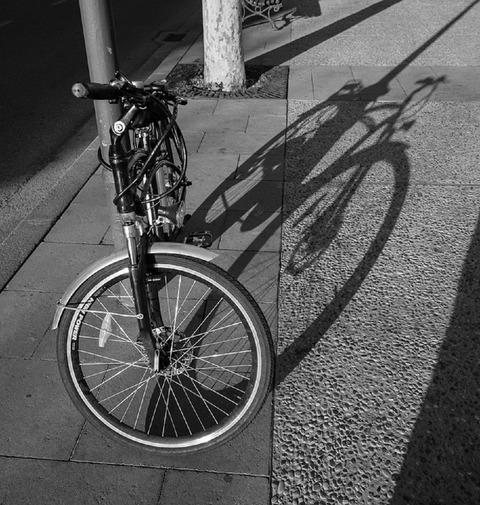 shadow-1077105_960_720