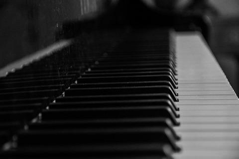piano-933340_960_720