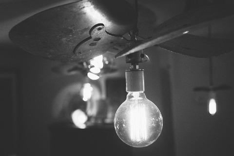 light-bulb-498289_960_720