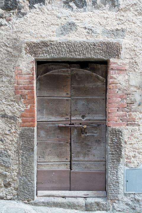 door-999898_960_720