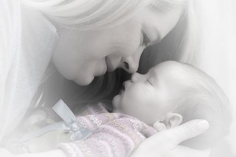 newborn-659685_640