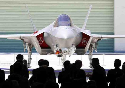 日本が自衛隊の攻撃能力を強化しようとする試みを本格化している。