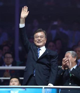 文大統領、スポーツによる南北交流始動。平昌招待