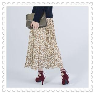 レトロな花柄プリーツスカート