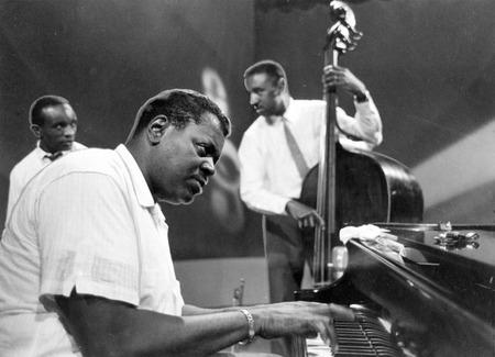 Oscar-Peterson trio004