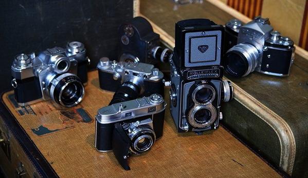 vivian_maiers_darkroom_cameras_003
