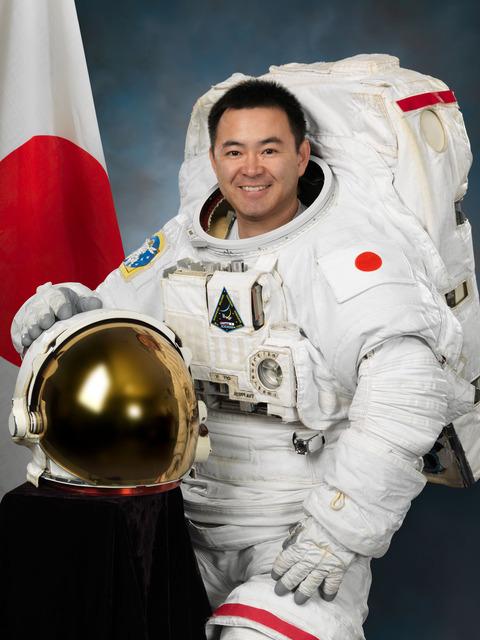 Akihiko_Hoshide_2012