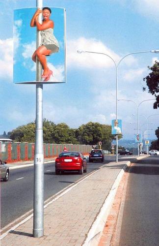 柱の広告03