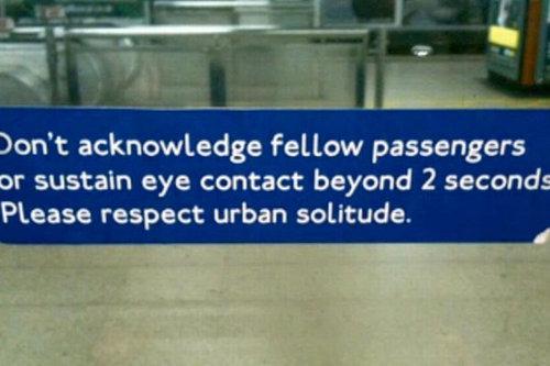 ロンドン地下鉄ゲリラステッカー09