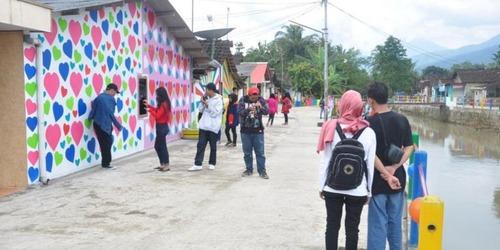 インドネシアのスラム09