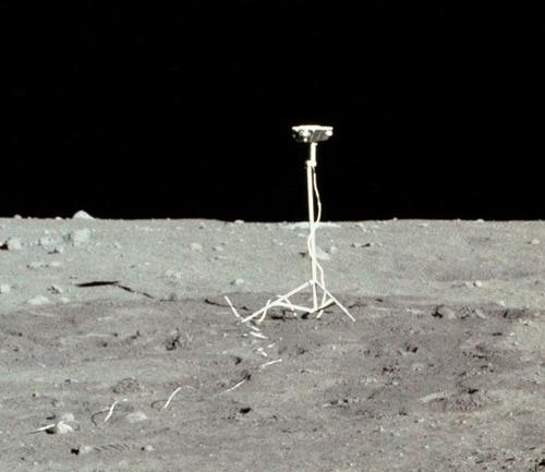 月面の遺留品03