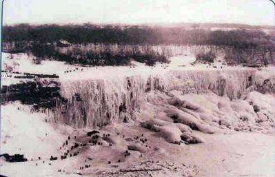 ナイアガラの滝が凍る03