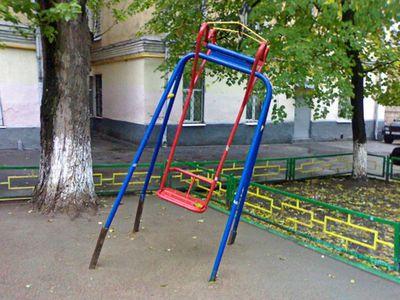 ロシアの公園の遊具06