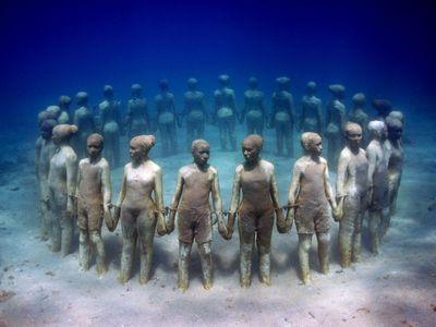 水中の彫刻TOP