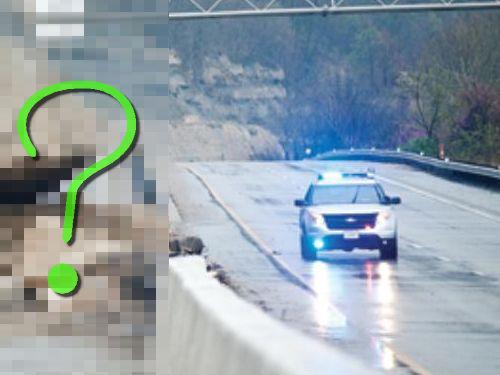 オハイオ州で巨石が高速道路に落下00