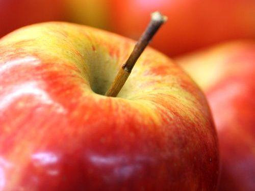 とてつもなく高速にリンゴの皮をむく方法00
