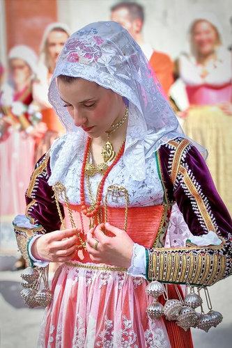 未来水世界_世界の美しき民族衣装と女性たち(^^) ( 女性 ) - 未来を見つめ ...