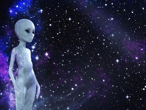 エイリアンと宇宙への旅
