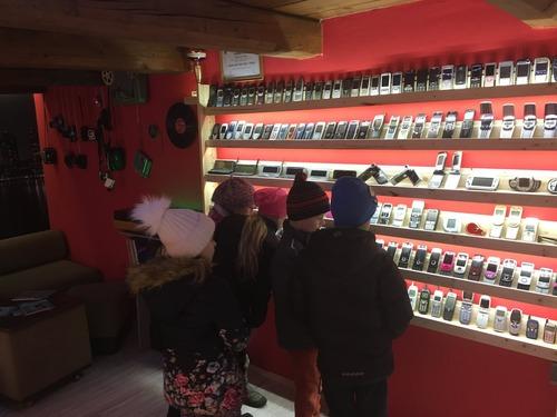 スロバキアの携帯電話コレクター10