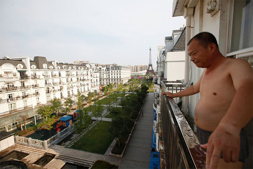 中国版パリがゴーストタウン化08