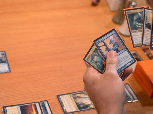 「ブラック・ロータス」カードが1800万円
