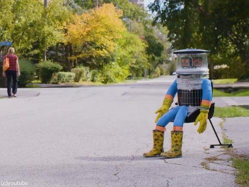 ロボットにヒッチハイク00