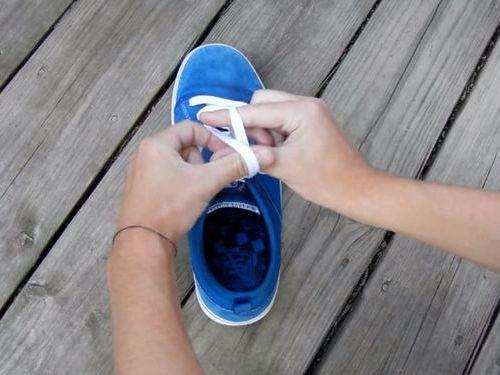 靴ひもの高速結び06