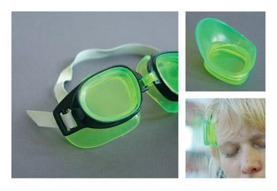 水中メガネ、ゴーグルのレンズの部分をはずして、おでこに装着-くだらない笑える面白いリサイクル23