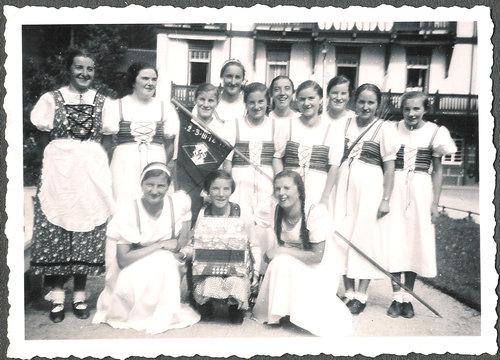 ナチス市民の女性01