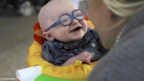 初めてママの顔を鮮明に見た赤ちゃん07