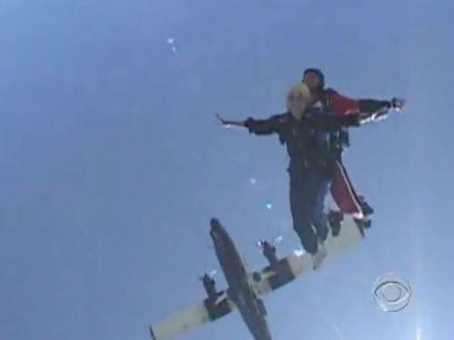 スカイダイビングのヒーロー00