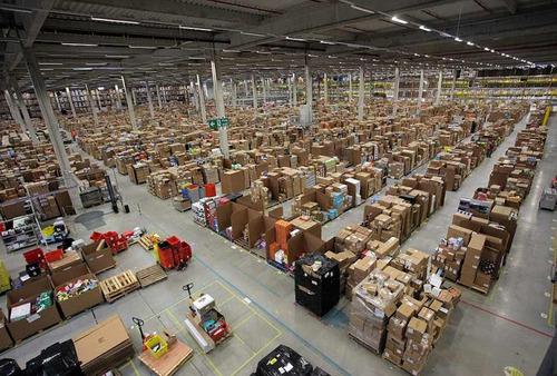 Amazonの倉庫02