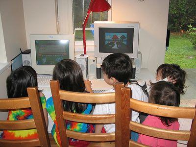 ネットゲームで学んだ知識によって命が助かった少年と妹