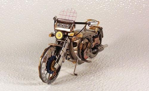 時計で作ったバイク04