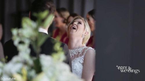 結婚式でフラワーガールがクレイジーになるとき04